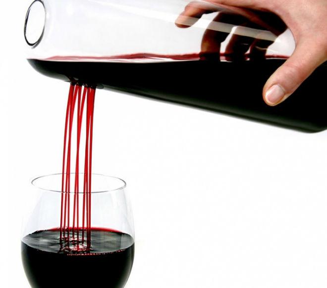 Decantadores de vino: Potenciando el vino. Tipos y usos.